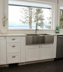 tips for installing a stainless steel farmhouse sink at thehappyhousie com 16