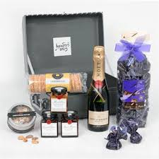sweet and savoury food her with moet 375ml her