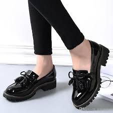 2017 new spring autumn tassel women s flats vintage oxford shoes for women thick bottom loafers woman creepers patent leather casual sh