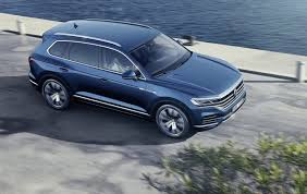 volkswagen 2019. 2019 vw touareg adds tech but trims weight for luxe suv volkswagen