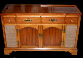 Jim's Antique Radio Museum - CONSOLE RADIOS