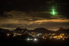 What Was The Lights In The Sky Last Night A Brilliant Green Meteor Lights Up Indias Sky Islands Wired