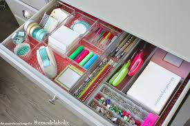 quick tricks for organizing desk drawers to maximize space remodelaholic