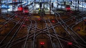 Das ist eine attacke auf das ganze land zum ende der ferienzeit müssen sich viele urlauber wohl auf streiks einstellen. Bahnstreik News Der Faz Zum Streik Bei Der Deutschen Bahn