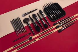 bine modern por fashion and traditional chinese cultural crafts in culture and bine the artistry make the brushes around the