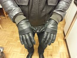 Quilted Cafe Racer Gloves, Black Calf Leather | Styleforum & [ IMG] Adamdwight.com