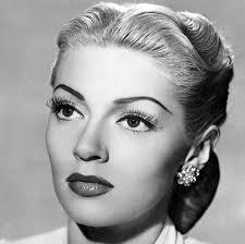 hair lana turner wears a 1940s