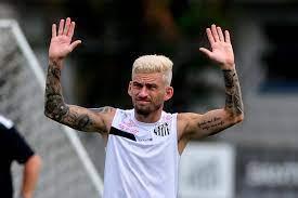 Caso escolha Palmeiras, Lucas Lima já tem proposta de salário e tempo de  contrato - Rádio Peão Brasil