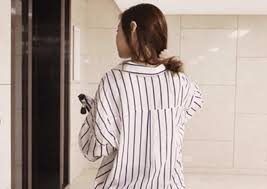 Berbicara soal fashion pastinya semua ingin tampil lebih cantik dan modis tentunya untuk para model atasan batik untuk wanita gemuk juga bisa anda kenakan dalam setiap menghadiri acara atau keperluan sehari hari seperti ada kondangan, acara. Model Baju Wanita Gemuk Agar Terlihat Langsing Style 2020 Bimata