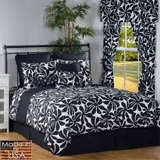 large large 600x600 pixels casual bedroom design with black eye catching white comforter
