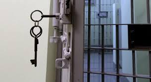 """Жительку Біловодського району звільнено від відбування покарання на підставі Закону України """"Про амністію у 2016 році"""""""