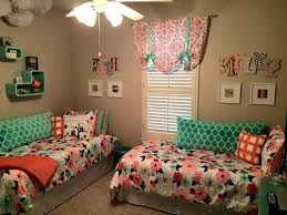 small bedroom two beds like this setup for a small bedroom for two arrange small bedroom