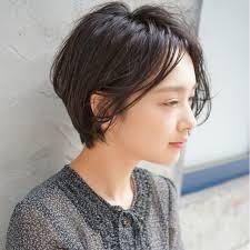 顔型丸顔にショートヘアとは気をつけるポイントやスタイル別おすすめ