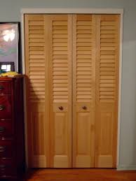 Awesome Modern Louver Door Design Ideas Come with White Laminated ...