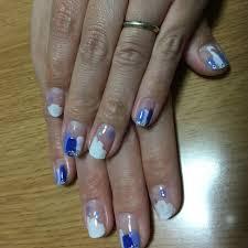 梅雨ハンドショートホワイトブルー Risaのネイルデザインno