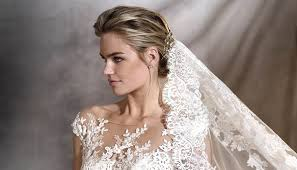 ornate lace veil with wedding hairpiece veil style v2877 by ovias confetti co