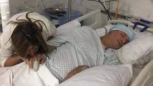 صورة إيمان البحر درويش على سرير الشفاء لمشككين بمرضه