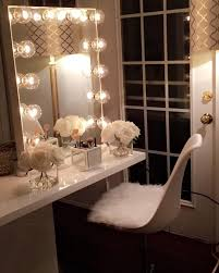 ImpressionsVanityGlowXL with clear incandescent bulbs