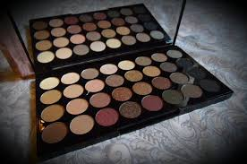 makeup revolution flawless palette 32 shade eyeshadow palette
