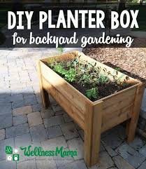 how to make a planter box for easy backyard gardening