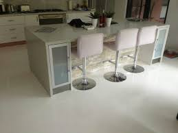 pure white high gloss floor in domestic kitchen 3