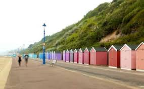 Bournemouth (/ˈbɔːrnməθ/ (listen)) is a coastal resort town on the south coast of england. Visit Bournemouth Beach In Bournemouth Expedia