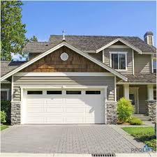 5 pro tips for choosing a new garage door