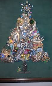 Unique Christmas Trees Best 25 Jeweled Christmas Trees Ideas On Pinterest Jewelry