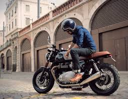 olivier s triumph thruxton 1200 stands out from the mass baak