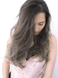 色素薄い系女子になるには髪色からチェンジグレージュカラーを紹介