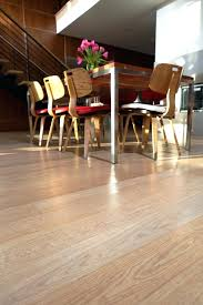 the appearance of white oak can vary depending on whether it is plain sawn or quarter
