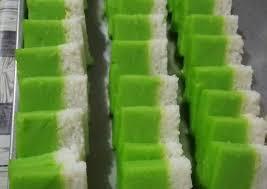 Kunci kelezatan kue lapis ini adalah kombinasi tepung beras dan tepung kanji dan santan yang bisa membutnya legit dan gurih. Cara Gampang Menyiapkan Lapis Ketan Tepung Hunkwe Simple Anti Gagal Kreasi Masakan