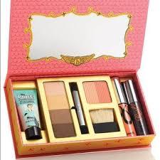benefit cosmetics she s so jetset makeup kit nwt