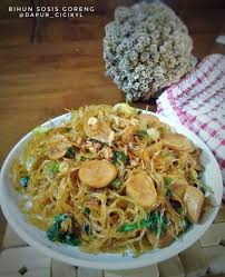 In certain countries, such as singapore, the term goreng is occasionally substituted with its english equivalent for the name of the dish. 7 Resep Bihun Goreng Yang Istimewa Dan Enak Cocok Jadi Menu Pelengkap Kapanlagi Com