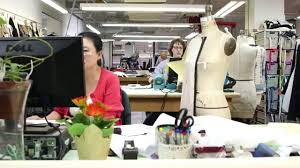 Apparel Design Salary Fashion Designers Jobs Career Salary And Education