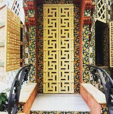 "15 Likes, 1 Comments - Lea Wade (@lucy.waldenpond) on Instagram: ""Doors of  Casa Vicens #barcelona #gaudi #gaudiarchitectu… | Arquitectura, Modernismo  catalan, Gaudi"