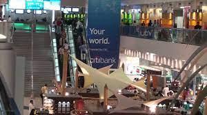 مطار دبي الدولي - السوق الحر - YouTube