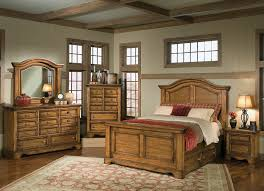 master bedrooms,rustic, distressed, natural finishes, lodge styles,queen  beds, dressers