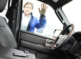 Image Car Lockout The Odds Are Youll Lock Your Keys In The Car Sometime And Those Odds Are On The Increase The American Automobile Association Reports That It Gets Calls Consumer Reports What To Do If You Lock Your Keys In The Car Consumer Reports