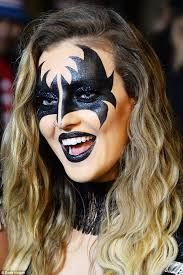 gene is that you perrie edwards looked amazing in batwing makeup and a matching