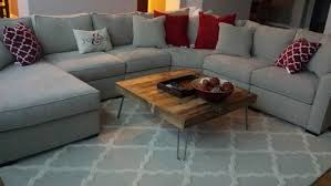 what color rug goes with a grey couch colours that match grey sofa