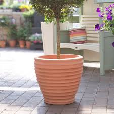 large plastic patio planters