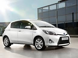 2013 Toyota Yaris Photos, Informations, Articles - BestCarMag.com