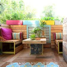 tropical painted furniture. trpical pallet paradise a renters remodel story flowers gardening home improvement outdoor tropical painted furniture