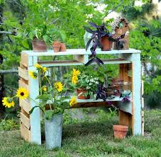 diy pallet potting bench apieceofrainbowblog 1