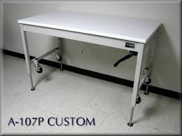 Lift Table w/ Hand Crank & Casters ...