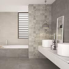 hanger met mosaic grey wall tiles