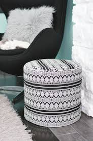 DIY Drom floor pouf