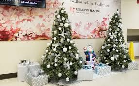 commercial holiday decoration business