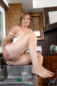Fun in the bathroom Milf porn